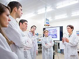 Quelques élèves ingénieurs de la 131e promotion, en visite au NRC Crédits : Nestlé